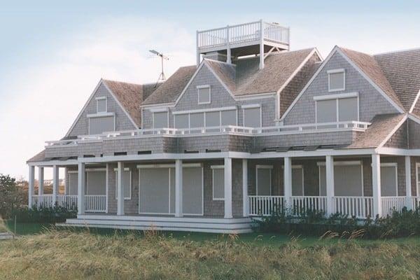 Talius Beach Cottage Rollshutters
